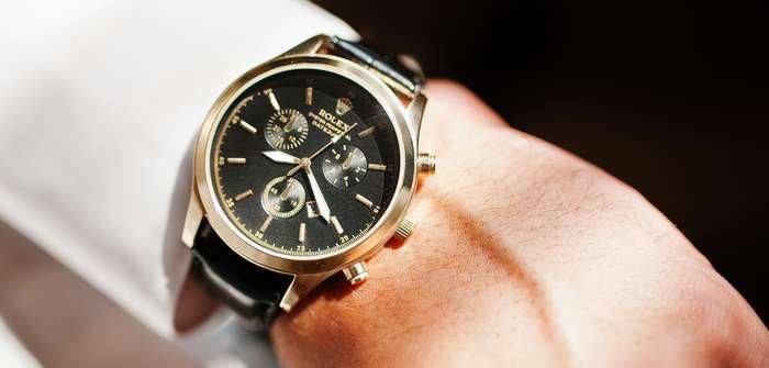 """Rolex gebraucht: """"Wie viel kostet die günstigste Rolex?"""" und wie Sie Fakes erkennen ( Foto: Shutterstock - AS photostudio )"""
